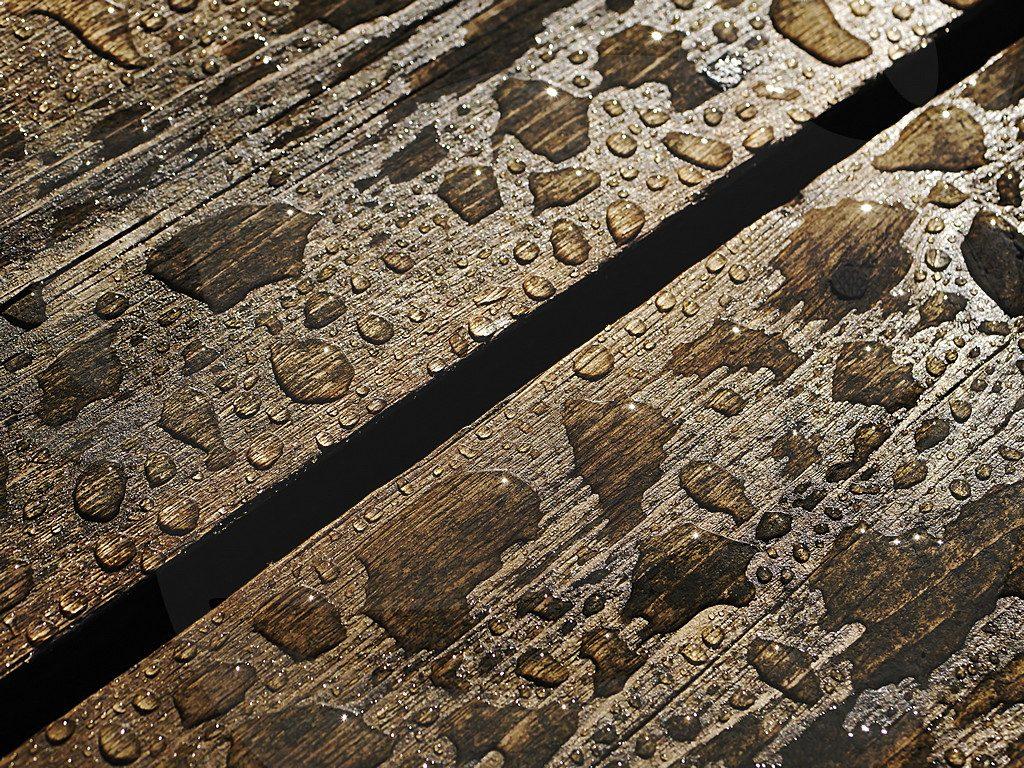 Wasser auf Planken